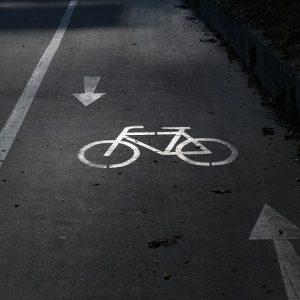 piste cyclable à Annecy