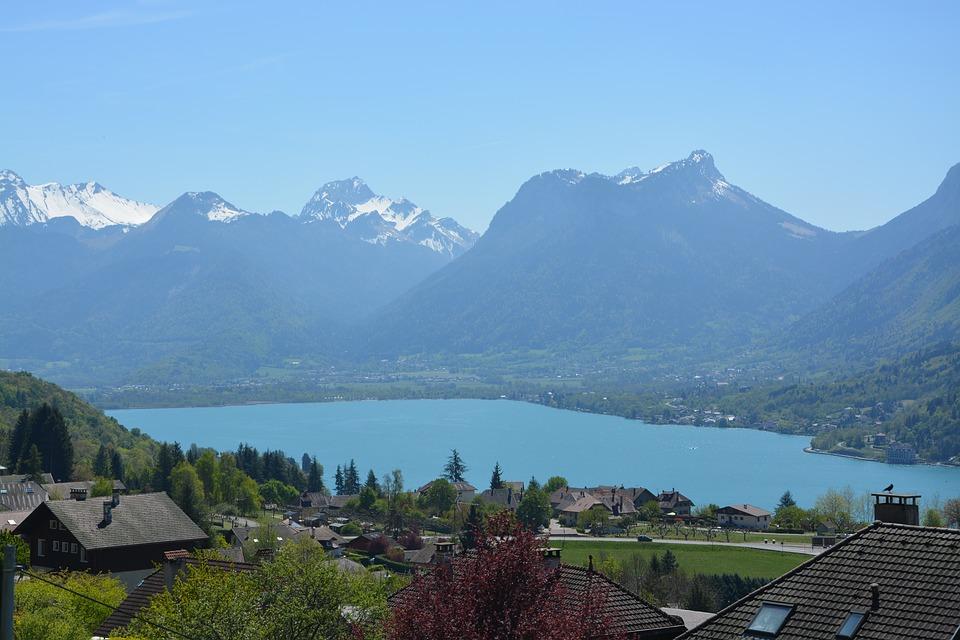 Tour du lac d'Annecy en Haute Savoie
