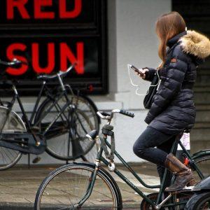 Comment accrocher son téléphone à son vélo ?