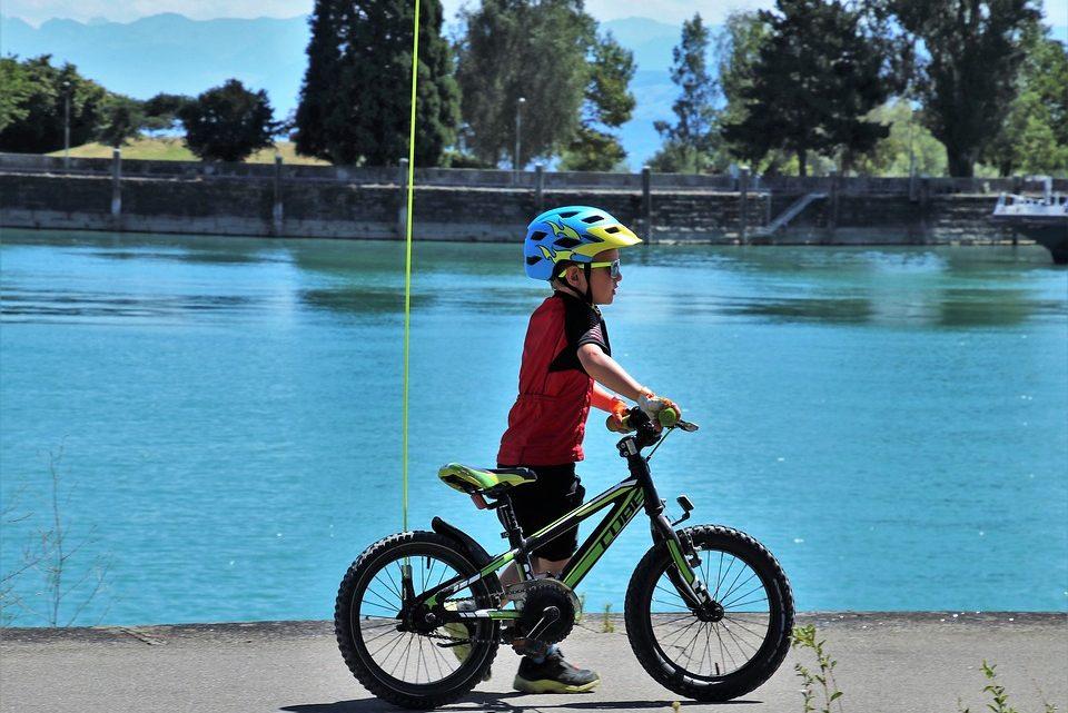 Comment apprendre à son enfant à faire du vélo ?